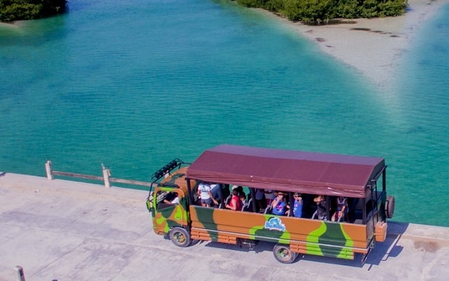 Tour a Sian Ka'an,  te divertirás en el truck safari