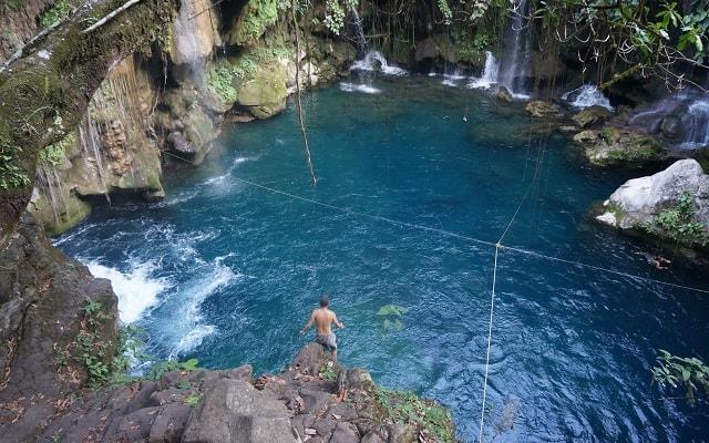 Tour a Tamasopo y Puente de Dios, visitarás una caverna de roca