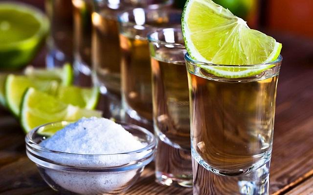 Tour a Teotihuacán, ciertas opciones de tour incluyen una degustación de tequila