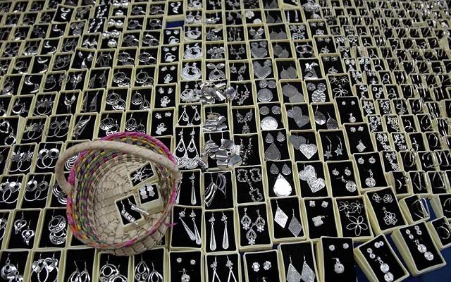 Tour a Teotihuacán, en ciertas opciones de tour podrás visitar un taller de artesanías