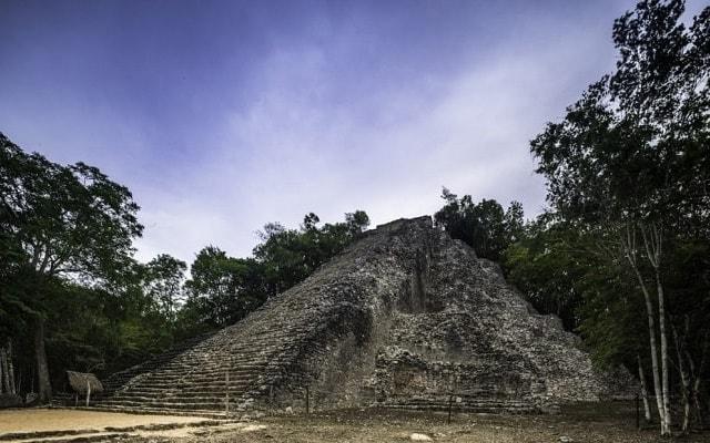 Tour a Tulum, Coba, Cenote La Gloria y Playa del Carmen, Cobá tiene la pirámide más alta de la Península