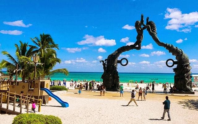 Tour a Tulum, Coba, Cenote La Gloria y Playa del Carmen, vive un ambiente agradable en Playa del Carmen