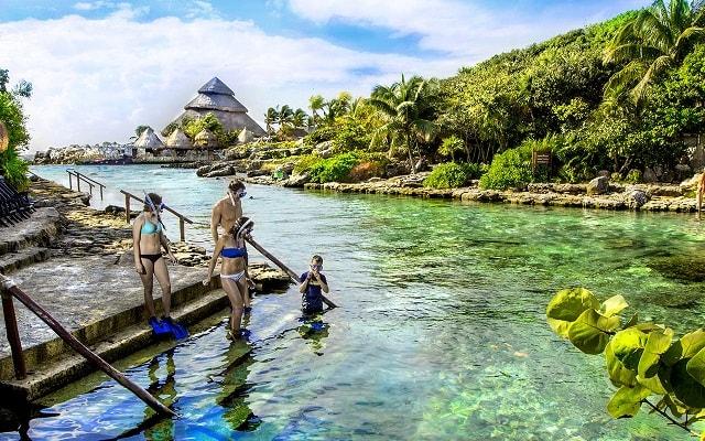 Tour a Xcaret, convive con la vida marina practicando snorkel
