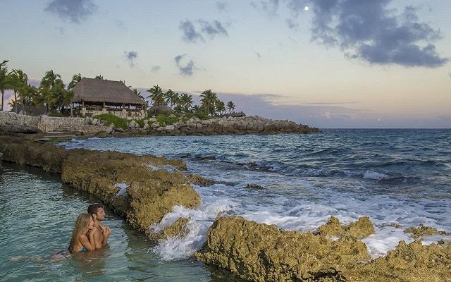 Tour a Xcaret, descansa y admira la hermosa vista al Mar Caribe