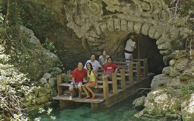 Tour a Xcaret, recorre el río con toda la familia
