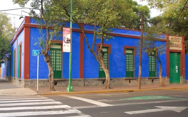 Tour a Xochimilco, Ciudad Universitaria y Coyoacán, La Casa Azul donde vivió y murió Frida Kahlo