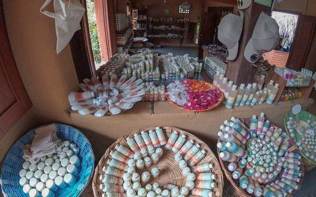 Tour a Zipolite para adultos, visitarás una tienda de cosméticos naturales