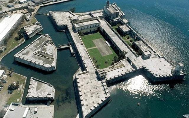 Tour al Acuario de Veracruz, Museo Naval y San Juan de Ulúa, una de las más antiguas fortalezas del Continente Americano