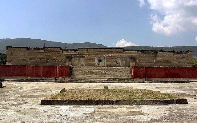 Tour al Árbol del Tule, Hierve el Agua, Mitla y Teotitlán del Valle, famoso centro ceremonial Zapoteca