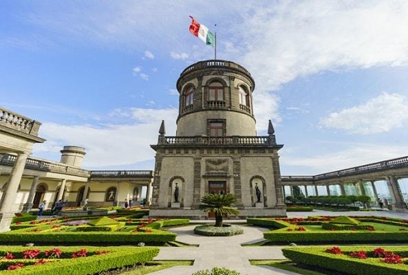 Tour al Castillo de Chapultepec y Museo Nacional de Antropología