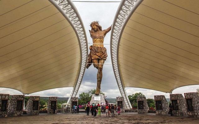 Tour al Santuario del Cristo Roto y Museo de la Insurgencia, admira al Cristo Roto