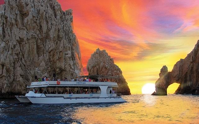 Tour Arco del Fin del Mundo, Música y Cena al Atardecer, admira el paisaje