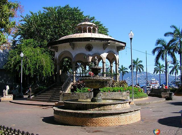 Zócalo e Acapulco - Tour por la Ciudad con Show de Clavados