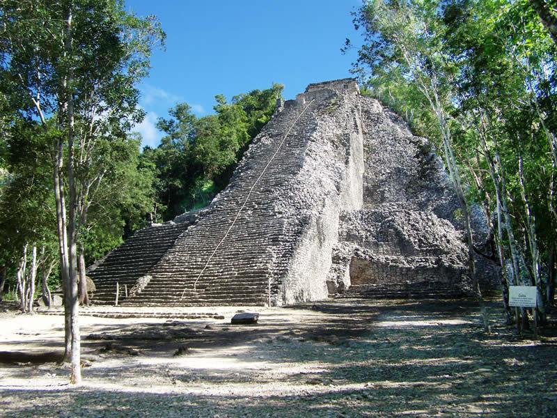 Pirámide de Cobá - Tour Cobá y Aldea Maya