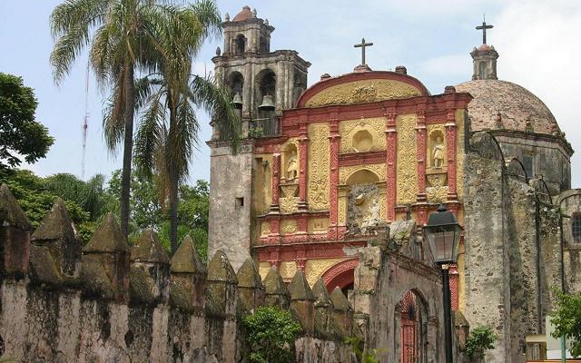 Tour Cuernavaca y Taxco, Catedral de Cuernavaca conócela eligiendo el tour Cuernavaca y Taxco con almuerzo