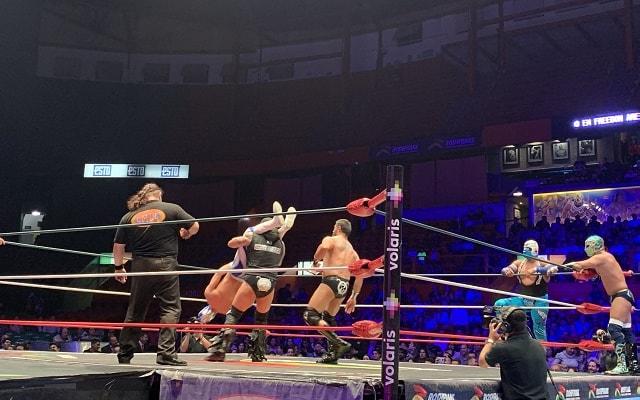 Tour de Lucha Libre en la Arena México, acrobacias sorprendentes