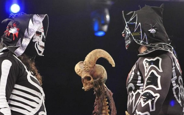 Tour de Lucha Libre en la Arena México, rudos contra técnicos