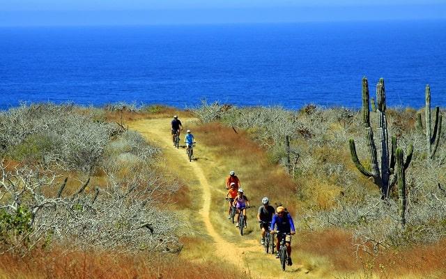 Tour en Bicicleta de Montaña por el Desierto de la Baja, recorre el Desierto de la Baja, disfruta pedalear junto al mar