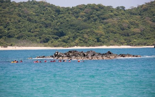 Tour por Bahías de Huatulco en Lancha, podrás practicar snorkel