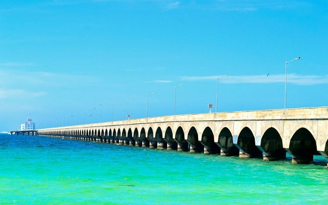 Tour por Dzibilchaltún, Puerto Progreso y Dzityá Yucatán, Puerto progreso