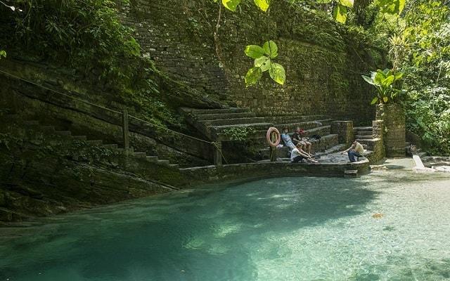 Tour por el Jardín Surrealista Xilitla y Sótano de las Huahuas, puedes tomar un descanso y disfrutar de las pozas