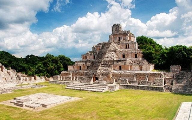 Tour por Hacienda Uayamón y Edzná, ruinas arqueológicas Edzná