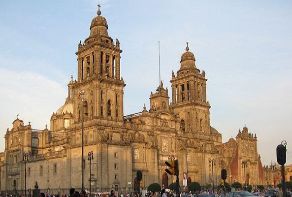 Tour Garibaldi - Plaza de las tres culturas - Basilica de Guadalupe - Teotihuacán - Cata de Tequila
