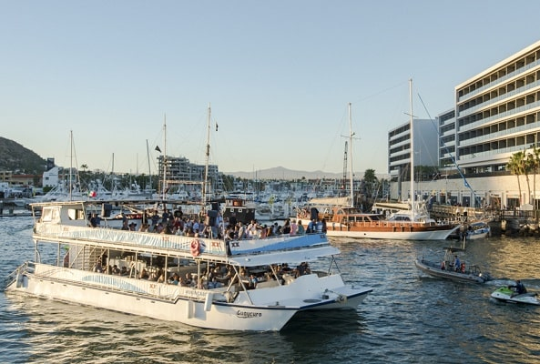 Tour por Los Cabos, Paseo en Catamarán y Cena