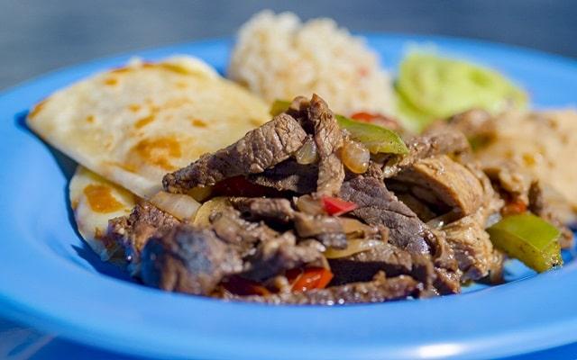Tour por Los Cabos, Paseo en Catamarán y Cena, tus alimentos a bordo