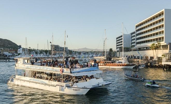 Tour por Los Cabos, Paseo en Catamarán y Cena, un recorrido inolvidable