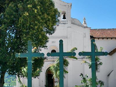 Iglesia de San Lorenzo Zinacantán - Tour San Juan Chamula y Zinacantán