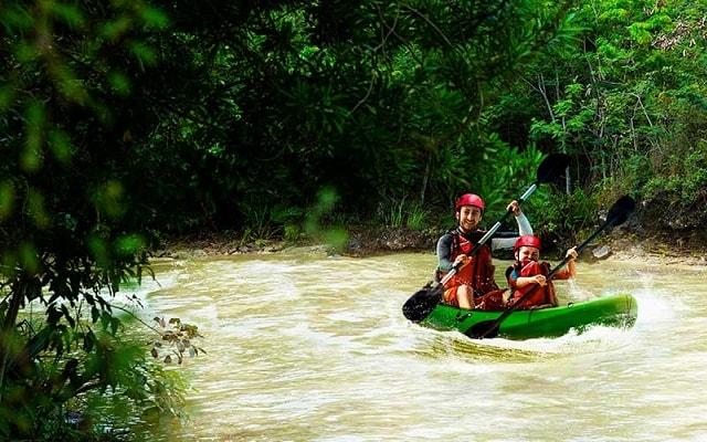 Tour Xavage by Xcaret, aventura en Kayak- crocodile