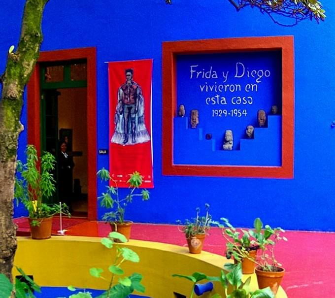 Image result for la casa azul frida kahlo