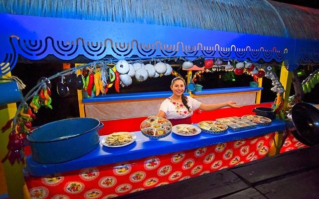 Tour Xoximilco Cancún, prueba las delicias con platillos típicos