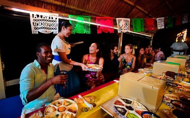 Tour Xoximilco Cancún, vivirás una experiencia gastronómica con platillos típicos mexicanos