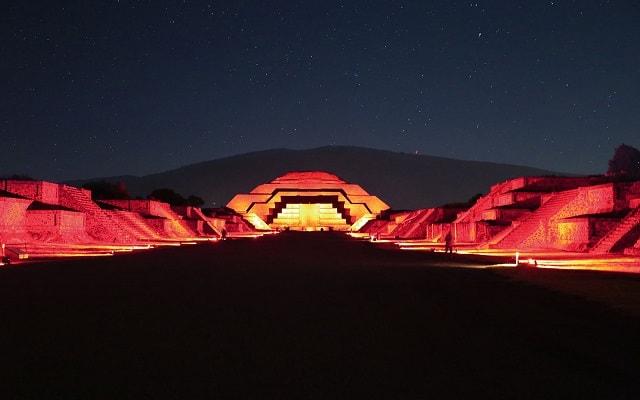 Turitour Teotihuacán de Noche, conoce datos históricos importantes