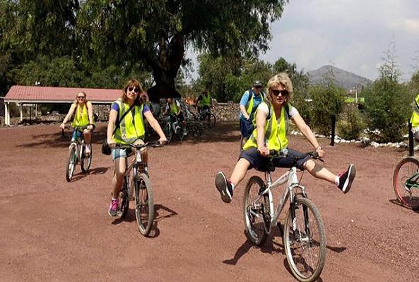 Valle de Teotihuacán en Bicicleta en Ciudad de México