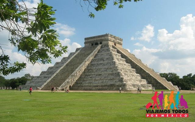 Visita la zona arqueológica de Chichén Itzá en el Circuito Yucatán Básico