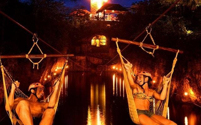 Xplor Fuego, un mundo de aventura en donde la noche y el fuego serán tu mejor compañía